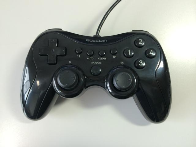 ELECOM のゲームコントローラ